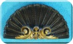 View Arch-Pediment Shell-Fan blk-gold 7x13
