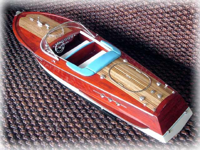 riva-ariston-boat-model3.jpg